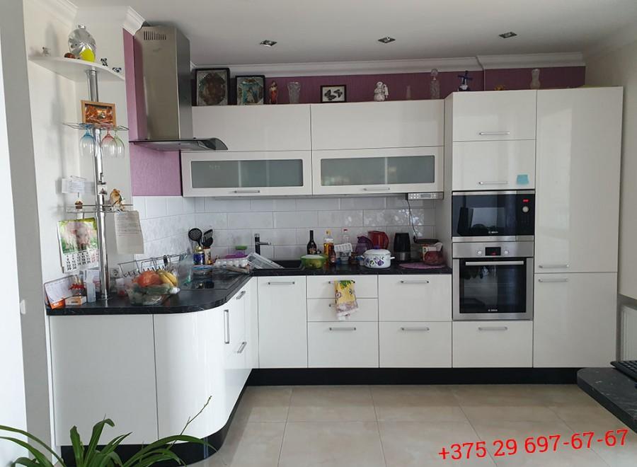 Кухня из акрила №08