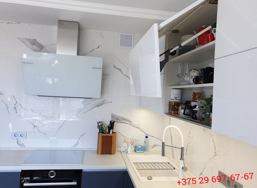 Кухня из акрила №09